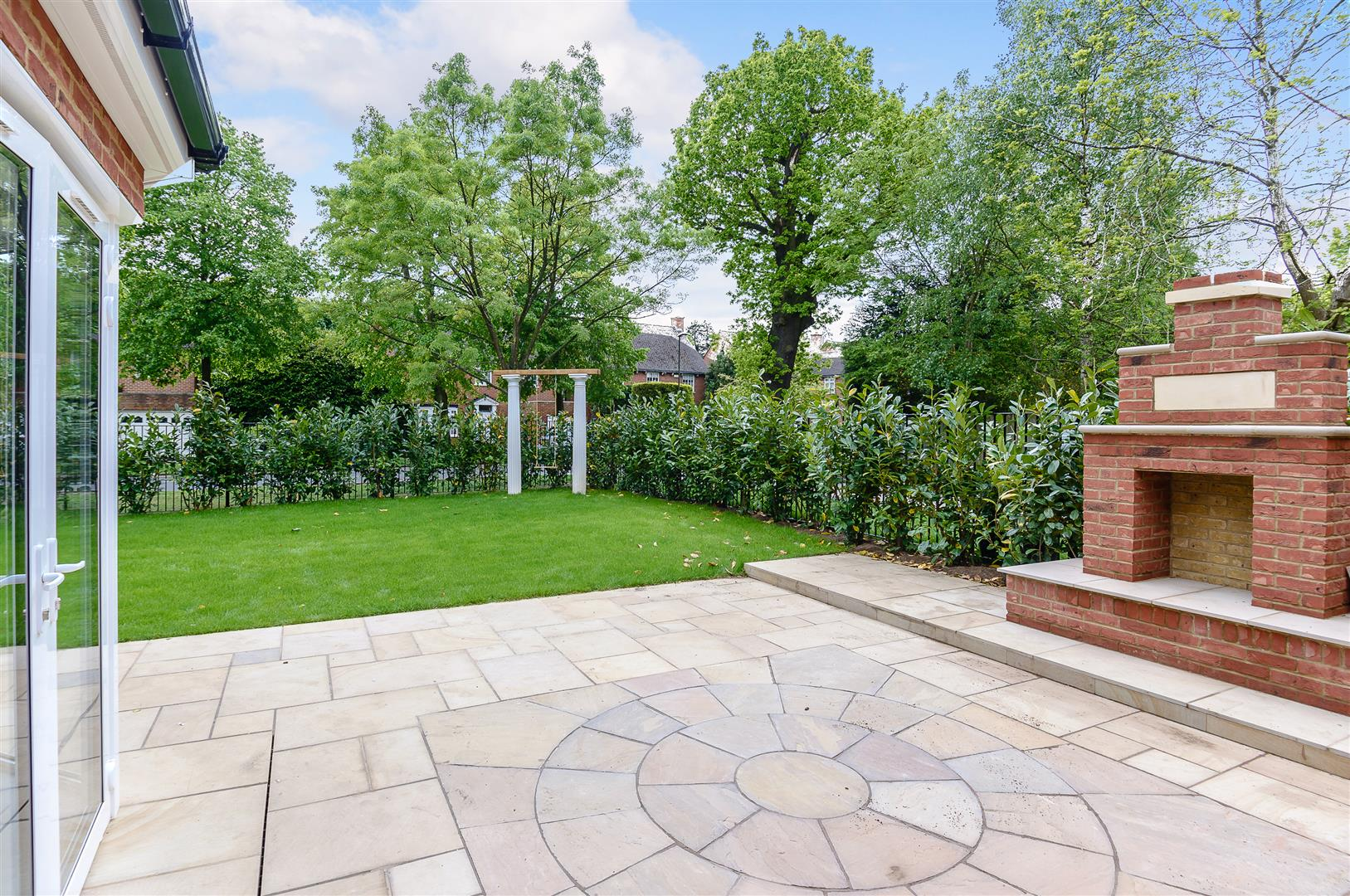 Hadley Wood Lancaster Avenue Property For Sale