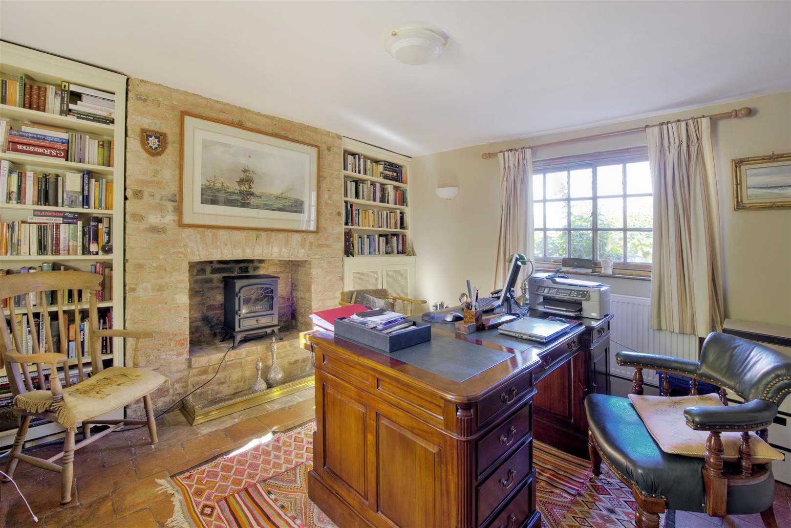 5 bedroom detached for sale in st neots