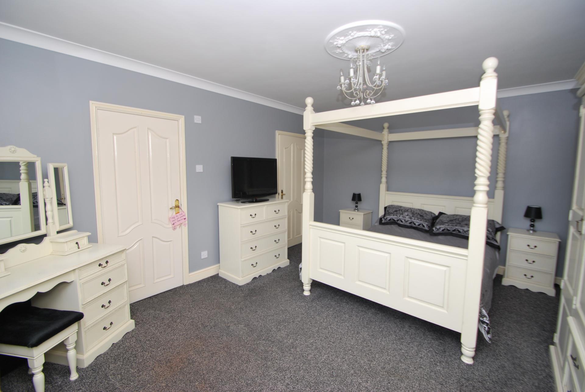 Bedroom detached for sale in barnsley