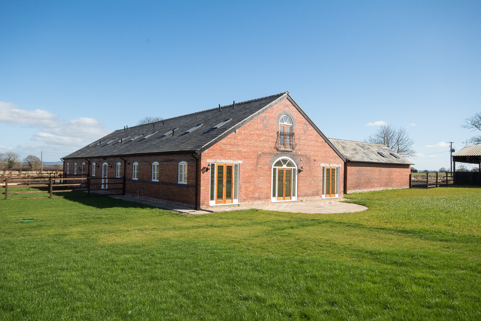 3 bedroom barn conversion for sale in holt for 3 bedroom barn house