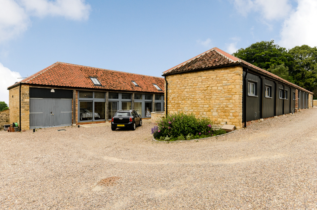 4 Bedroom Barn Conversion For Sale In Lincoln
