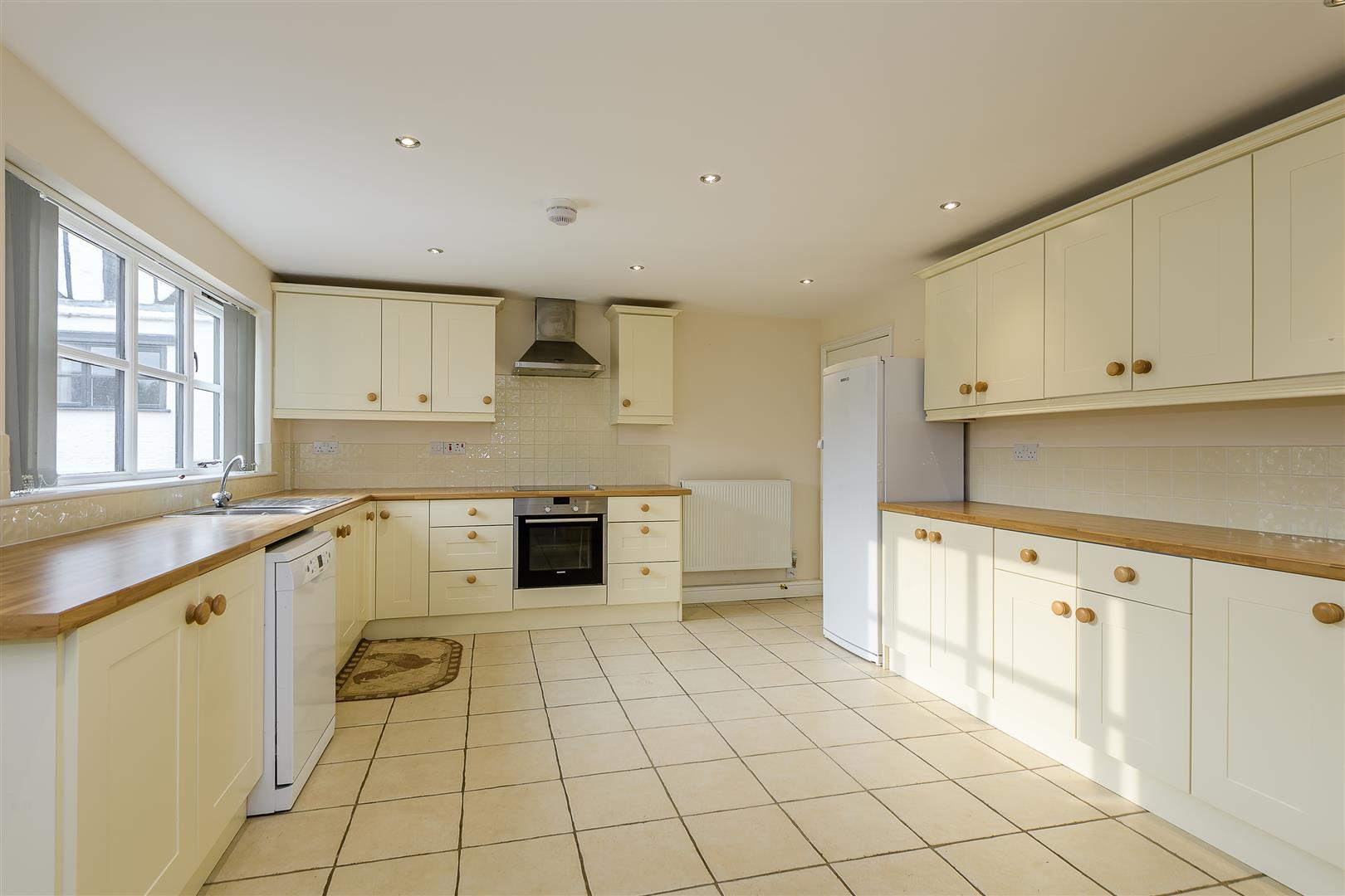 4 bedroom detached for sale in huntingdon